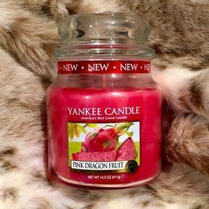 YANKEE CANDLE Pink Dragon Fruit 🐉 Medium